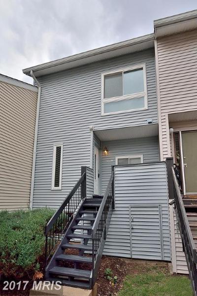 Fairfax, Fairfax City Townhouse For Sale: 8614 Village Square Drive