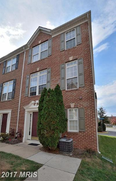 Falls Church VA Townhouse For Sale: $520,000