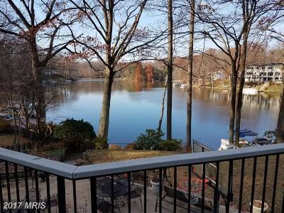 Fairfax, Loudoun Single Family Home For Sale: 6412 Lakeview Drive