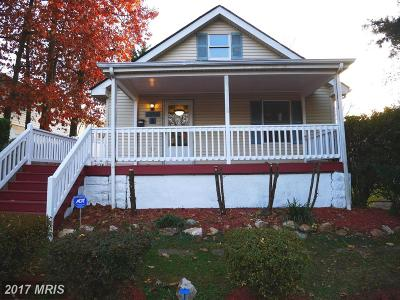 Alexandria Single Family Home For Sale: 2635 Memorial Street