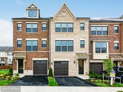 Falls Church VA Townhouse For Sale: $680,645
