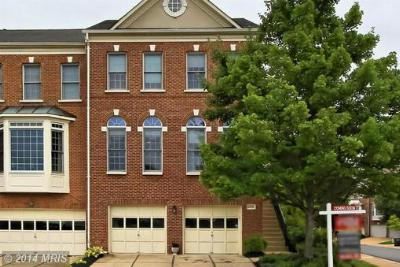 Fairfax VA Townhouse For Sale: $548,000