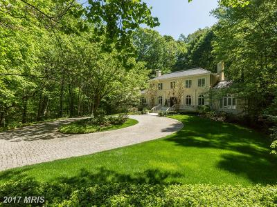 McLean Single Family Home For Sale: 1111 Crest Lane