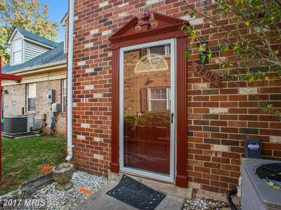 Lorton Townhouse For Sale: 9806 Hagel Circle