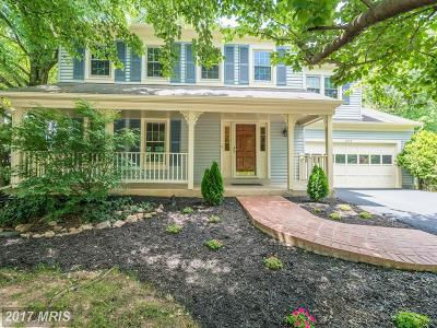 Burke Single Family Home For Sale: 9235 Lake Braddock Drive