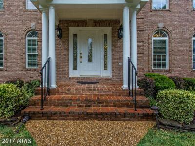 Lorton Single Family Home For Sale: 6808 Newington Road