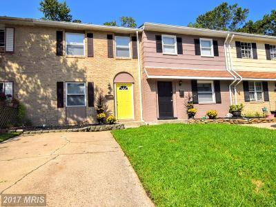 Edgewood Townhouse For Sale: 714 Sequoia Drive