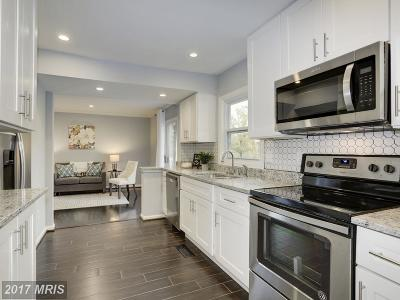 Columbia Single Family Home For Sale: 8961 Blue Pool
