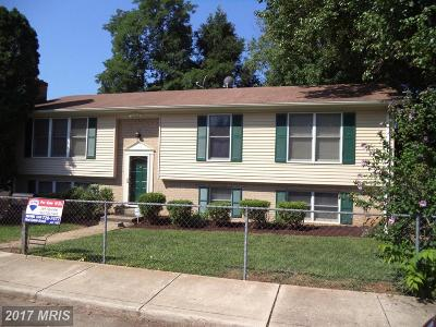 Charles Town Single Family Home For Sale: 104 Fourth Court