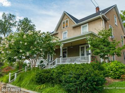 Charles Town Single Family Home For Sale: 328 Mildred Street N