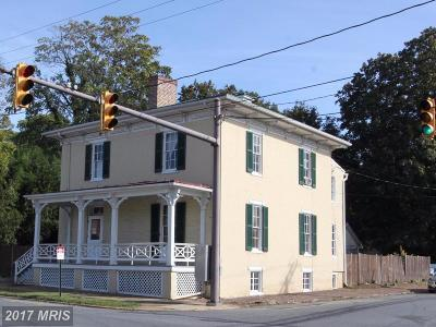 Charles Town Single Family Home For Sale: 301 Washington Street