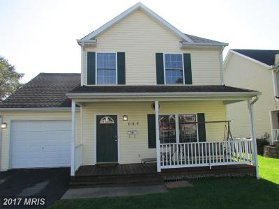 Charles Town Single Family Home For Sale: 644 Jefferson Avenue
