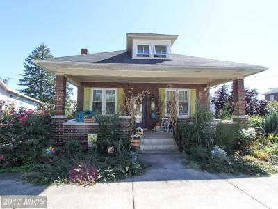 Charles Town Single Family Home For Sale: 311 First Avenue E