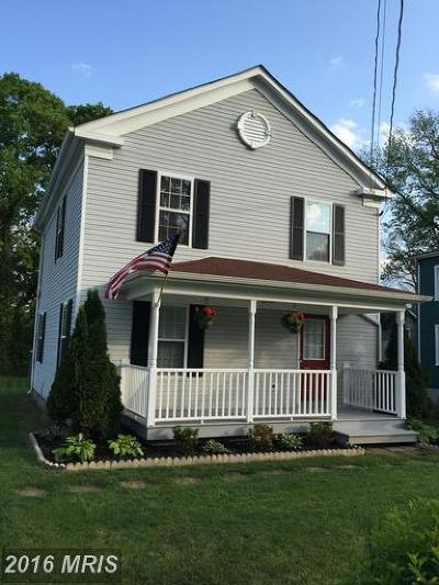 Charles Town Single Family Home For Sale: 713 Liberty Street