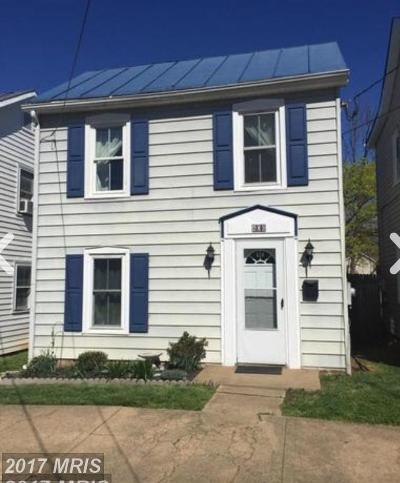 Charles Town Single Family Home For Sale: 406 Liberty Street E