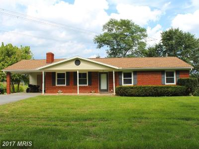 Charles Town Single Family Home For Sale: 21 Cave Quarter Drive