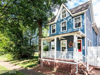 Kent Single Family Home For Sale: 208 Queen Street S