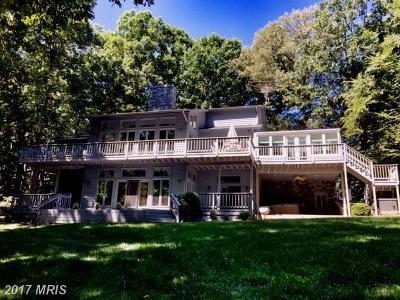 Single Family Home For Sale: 142 Renfrew Circle