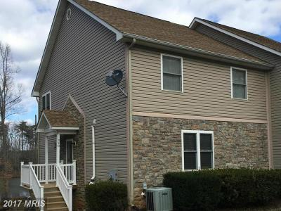 Townhouse For Sale: 328 Lake Front Drive
