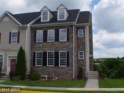 Leesburg Townhouse For Sale: 832 Linfield Terrace NE