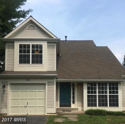 Leesburg Single Family Home For Sale: 302 Foxridge Drive SW