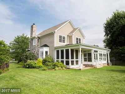 Middleburg Single Family Home For Sale: 208 Locust Street