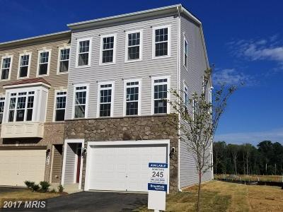 Purcellville Townhouse For Sale: 218 Miles Hawk Ter