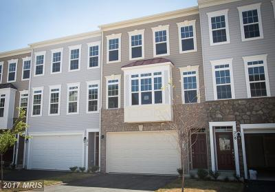 Purcellville Townhouse For Sale: 216 Miles Hawk Ter