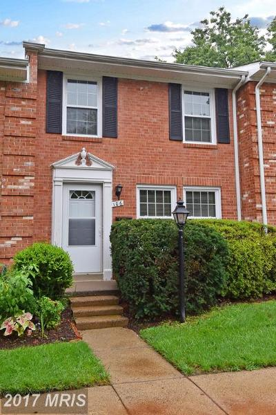 Loudoun Townhouse For Sale: 106 Cornell Drive E