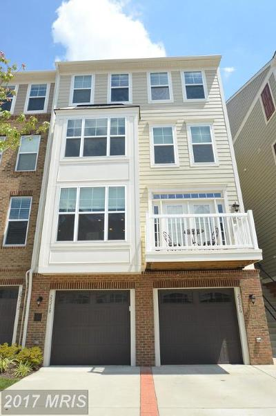 Chantilly VA Townhouse For Sale: $359,900