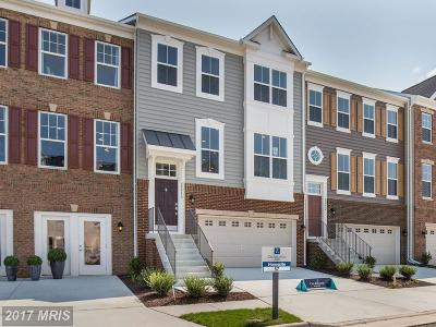 Ashburn Townhouse For Sale: 22281 Pinecroft Terrace