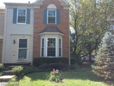 Leesburg Townhouse For Sale: 530 Currant Terrace NE