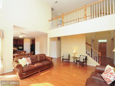 Leesburg Single Family Home For Sale: 827 Sandpoint Court NE