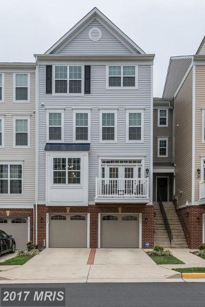Sterling Townhouse For Sale: 45707 Winding Branch Terrace