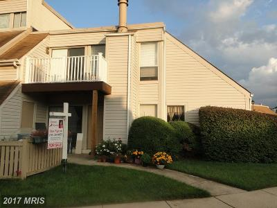 Sterling Townhouse For Sale: 1027 Warwick Court