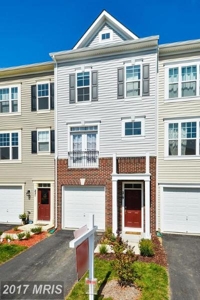 Purcellville Townhouse For Sale: 219 Miles Hawk Terrace