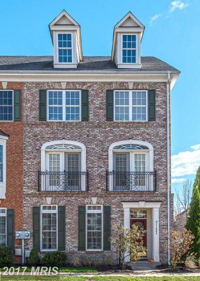 Ashburn Townhouse For Sale: 22968 Fanshaw Square
