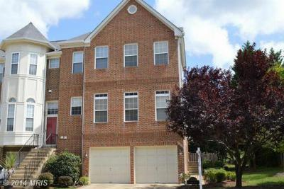 Sterling VA Townhouse Sale Pending: $489,900
