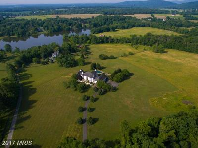 Bluemont, Paris, Middleburg, Upperville, Hamilton, Hillsboro, Lovettsville, Paeonian Springs, Purcellville, Round Hill, Waterford Single Family Home For Sale: 38039 Dawson Gap Lane