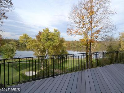 Leesburg Townhouse For Sale: 18280 Buccaneer Terrace