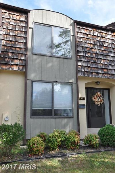 Potomac Townhouse For Sale: 10657 Muirfield Drive