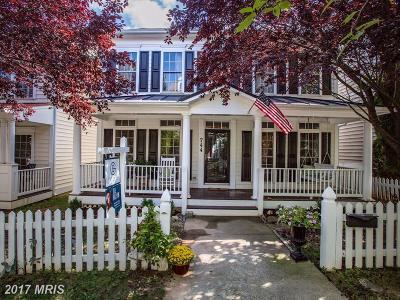 Gaithersburg Single Family Home For Sale: 744 Lake Varuna Mews