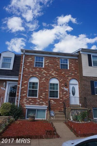 Point Of Woods Townhouse For Sale: 8358 Shady Grove Circle