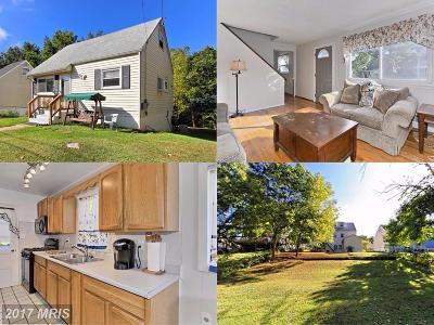 Manassas Park Single Family Home For Sale: 221 Lambert Drive