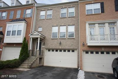 Manassas Park Townhouse For Sale: 9762 Corbett Circle