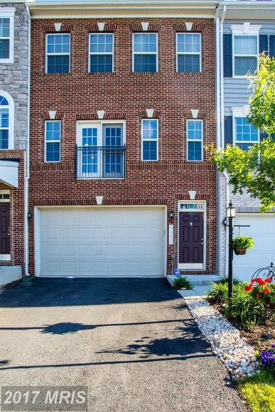 Manassas Park Townhouse For Sale: 9062 Maria Way