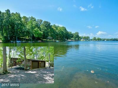 Lake Of The Woods Single Family Home For Sale: 300 Mt Pleasant Drive