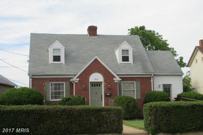 Luray Single Family Home For Sale: 303 Main Street E