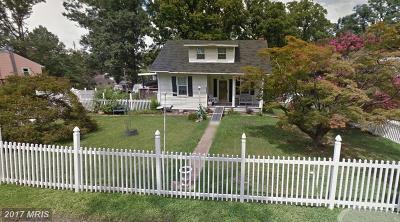 Lanham Single Family Home For Sale: 8820 Saunders Lane