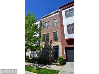 Hyattsville Townhouse For Sale: 5622 44th Avenue